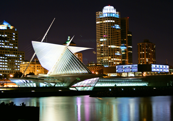 Milwaukee Art Museum lighting up the night skyline Soul