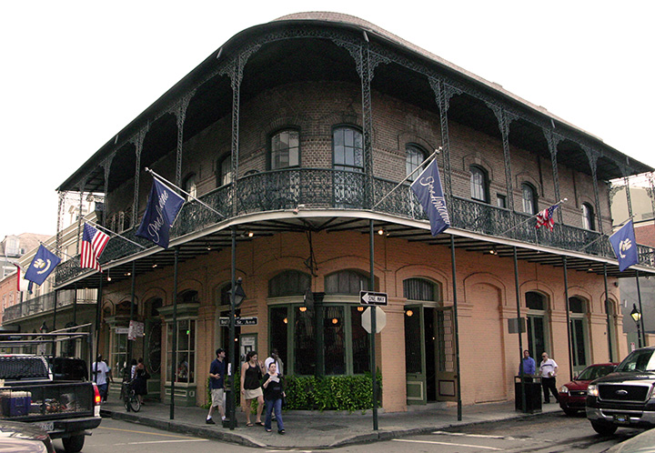 An early 19th century french quarter mansion turned for Best boutique hotels french quarter