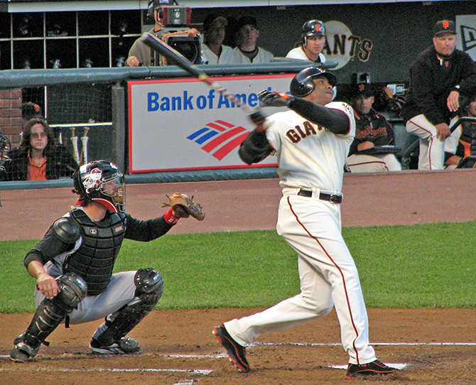 The great Barry Bonds at bat for the Giants in 2006
